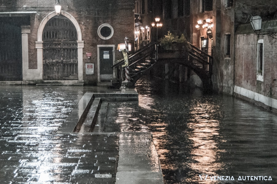 "The ""Poste Vecie"" bridge is said to be the oldest bridge in Venice."