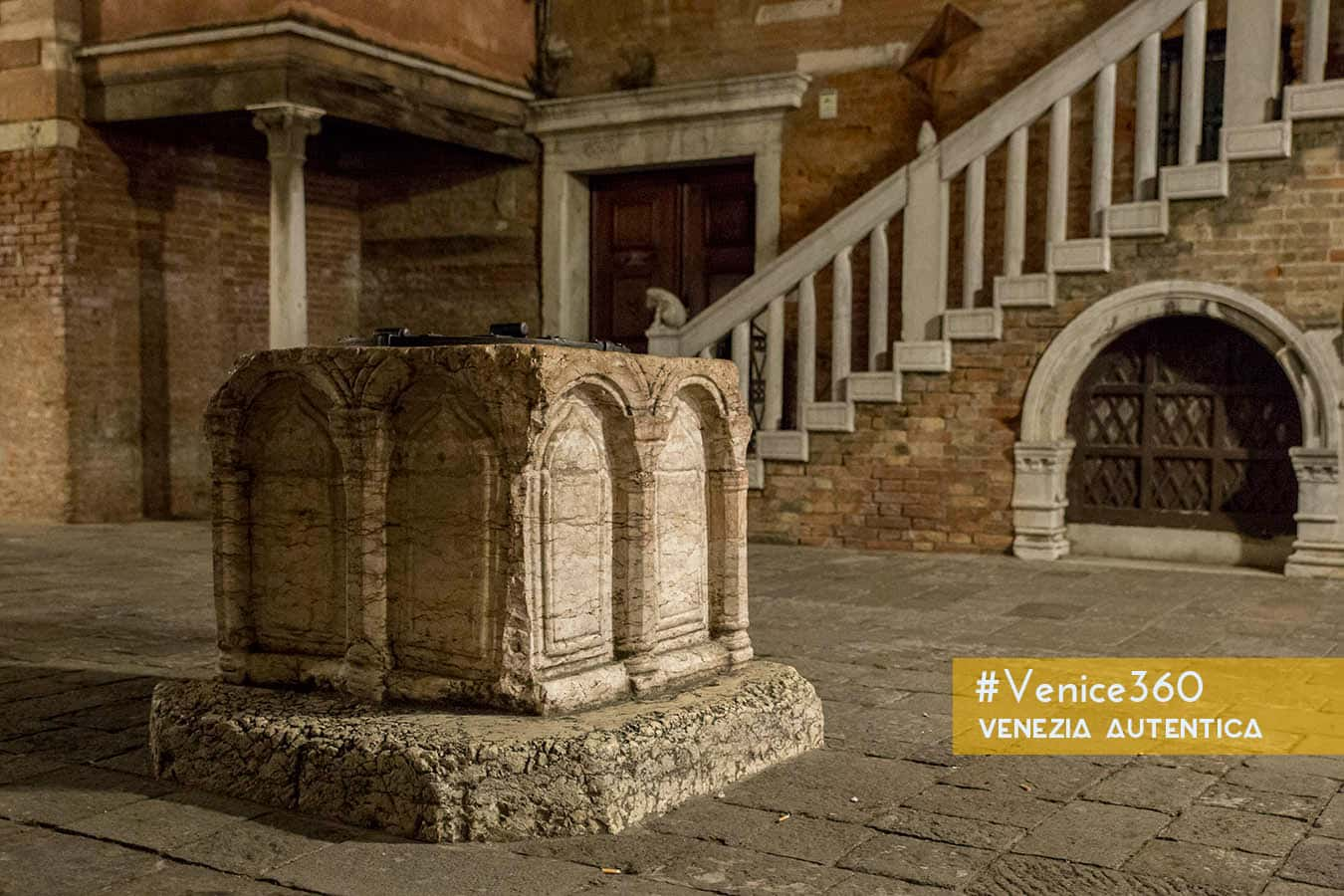 The mind-blowing innovation which allowed venetians to survive and thrive - Venezia Autentica | Discover and Support the Authentic Venice - Since the very beginning of Venice, on the Rivo Alto, venetians could count on plenty of fresh air and fish to feed themselves, but water was missing...
