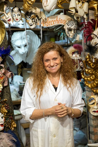 Marilisa Dal Cason, Mask Maker - Venezia Autentica | Discover and Support the Authentic Venice - Marilisa creates most of her hand crafted masks by respecting in every single step the traditional venetian mask making techniques.