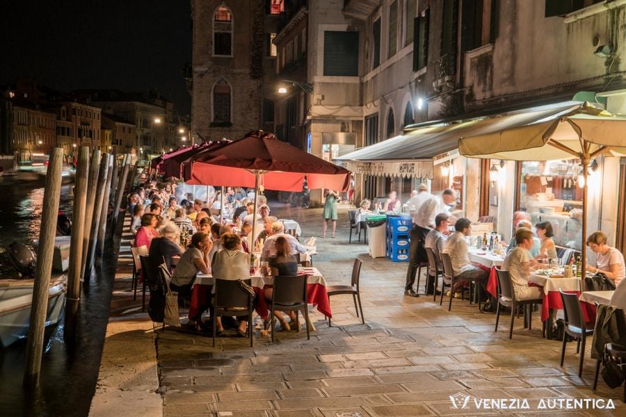 Dehors of the Ristorante Pizzeria Ai Tre Archi in Venice, Italy