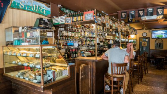 The Irish Pub - Venezia Autentica | Discover and Support the Authentic Venice - Great and tasty sandwiches at a very good price, make the Pecador a favorite of the youth in the summer months!