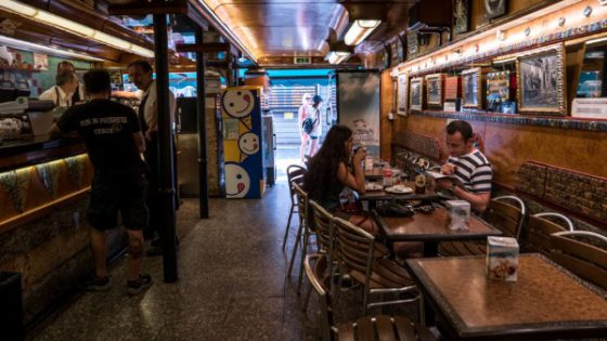 Bar Rizzo (Mago G) - Venezia Autentica | Discover and Support the Authentic Venice - Great and tasty sandwiches at a very good price, make the Pecador a favorite of the youth in the summer months!