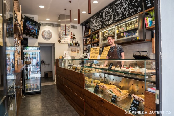 L'Osteria di Santa Marina - Venezia Autentica | Discover and Support the Authentic Venice - If you're searching for an incredible dinner that will also be a culinary and artistic experience, look no further!