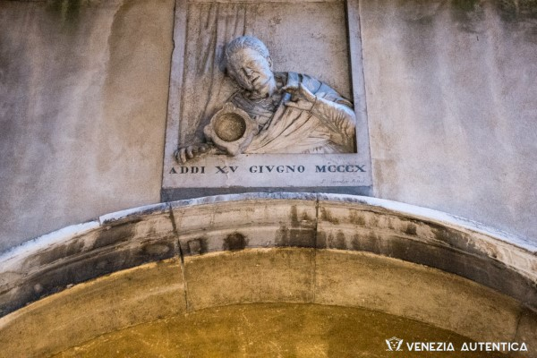 7 things you couldn't live without and never knew you owed Venice, Italy - Venezia Autentica | Discover and Support the Authentic Venice - Venice, Facts & History: World records, inventions, traditions, etc. the world owes a lot to Venice,...