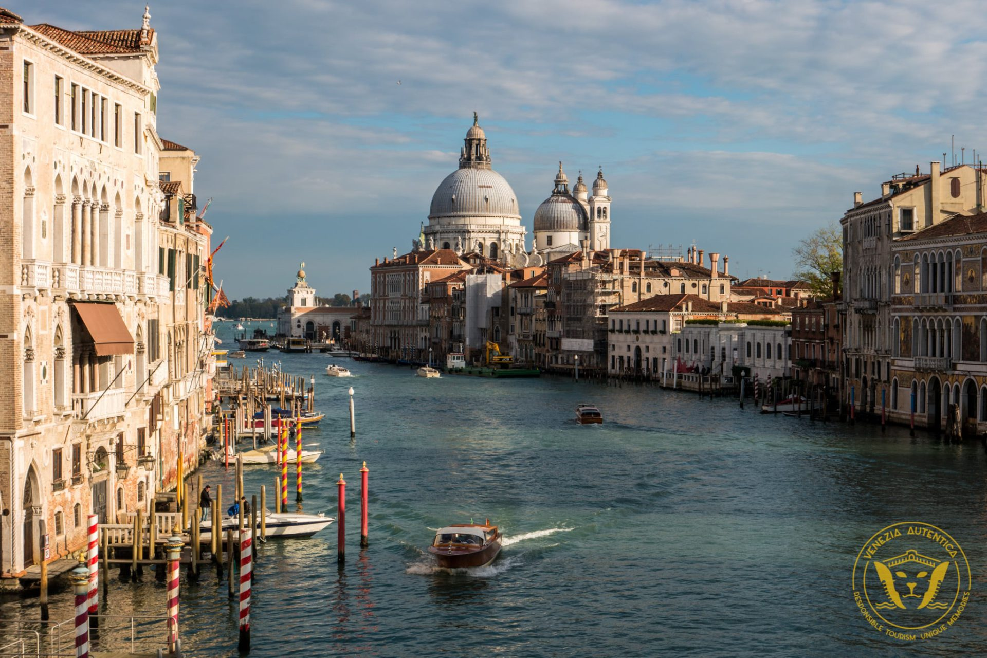 You don't want to be 'that' tourist. Watch out for these common tourist traps in Venice - Venezia Autentica | Discover and Support the Authentic Venice -