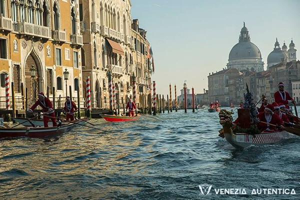 Fundraising Serenades in the Canals of Venice - Venezia Autentica | Discover and Support the Authentic Venice - A characteristic of Venice social life, is the great amount of associations that aim at improving the city and the quality of life for Venetians.