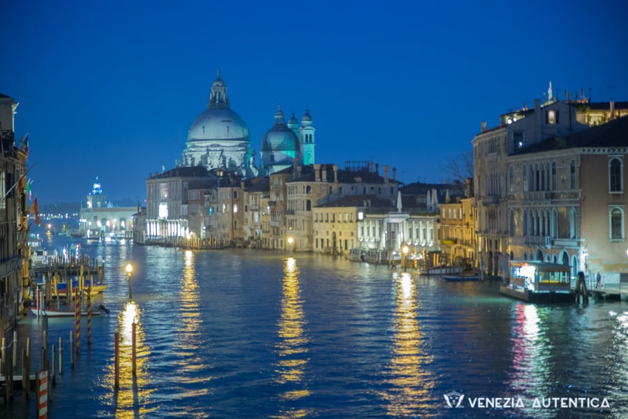 Night view of the Grand Canal