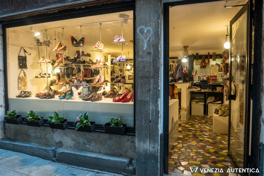 Giovanna Zanella Shoe making shop in Venice, Italy. Hand crafted original and authentic shoes on display on the main window. Shoes can be created and custom crafted according to your desires and needs.