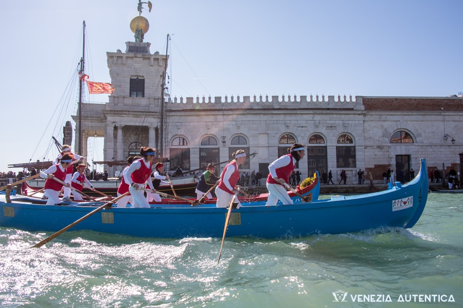 All you need to know about Venetian rowing regattas in Venice - Venezia Autentica | Discover and Support the Authentic Venice - Venice, Culture & Lifestyle: Everything you ever wanted to know about the regattas, the Venetian rowing races in Venice, Italy