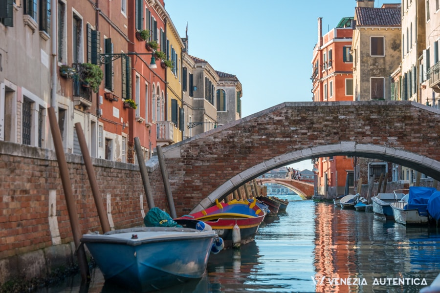 What is Venice, Italy? - Venice - Venezia Autentica | Discover and Support the Authentic Venice - What is Venice, Italy? Venice locals share 60+ amazing facts and surprising answers to the most frequently asked questions about Venezia, the city on water.