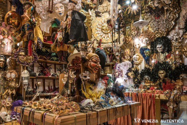 Tragicomica Masks Shop - Venezia Autentica | Discover and Support the Authentic Venice -