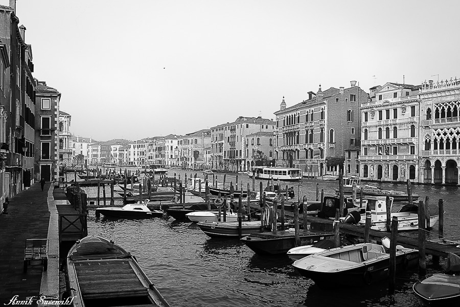 Venice in Black and White by Annik Susemihl [Photo Gallery] - Venezia Autentica | Discover and Support the Authentic Venice -
