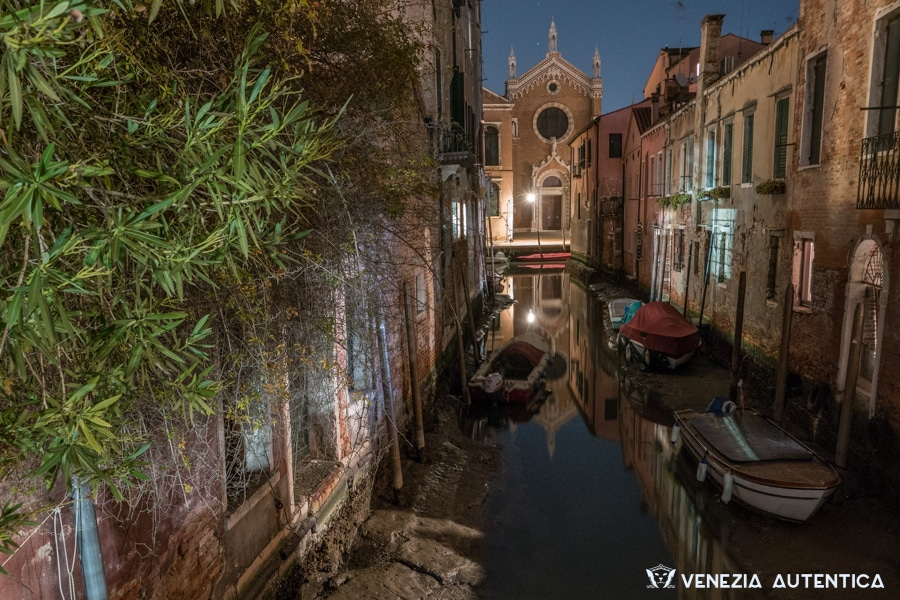 Canal in Cannaregio, Venice, during the exceptional acqua bassa during winter 2016/2017