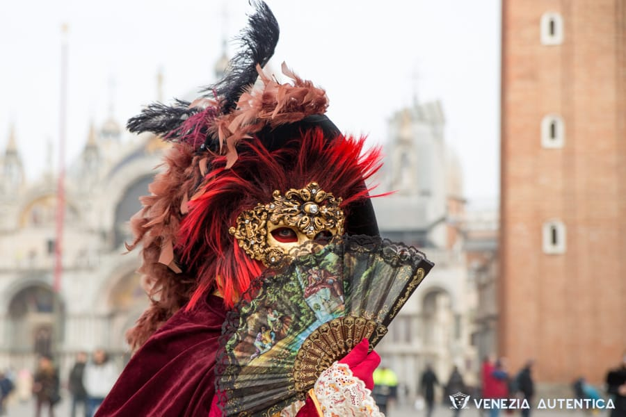 Admire the masks and costumes of the most famous Venetian