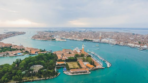 High on Venice by Samuele Seguso [Photo Gallery] - Venezia Autentica | Discover and Support the Authentic Venice - In order to discover the authentic Venice, the first step is to understand the nature of the Venetians
