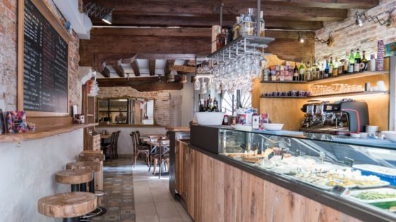 "El Magazen Ristobacaro Restaurant and Wine bar - Venezia Autentica | Discover and Support the Authentic Venice - ""Birreria Zanon"" is a favorite of locals, rowers, and kayakers who stop by for a quick snack"