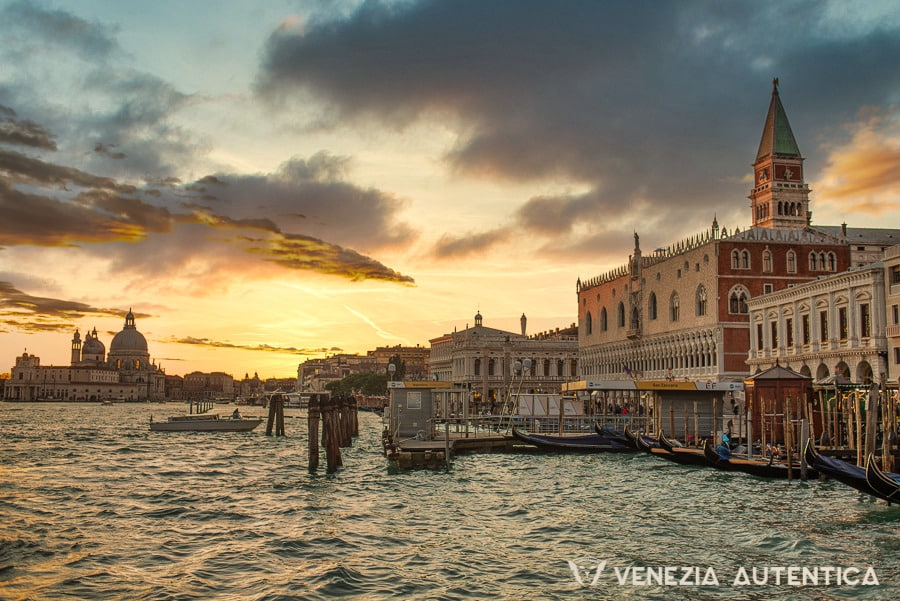 Venice photos - 60+ pictures that prove one image is worth a thousand words - venice photos - Venezia Autentica | Discover and Support the Authentic Venice - 60+ Venice photos that will take you on a journey through Venice's most beautiful corners, landmarks, and canals. Every image is really worth a thousand words!