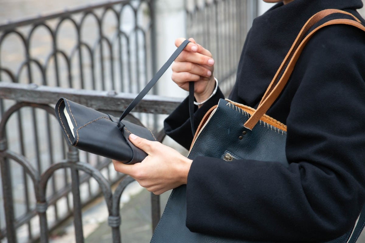 Leather Tote Shopper Bag Shop by Venezia Autentica - Shop by Venezia Autentica - Stunning handmade leather tote bag, entirely handstitched by a master artisan in Venice, Italy. Every shopper bag is unique, resistant, and customizable!